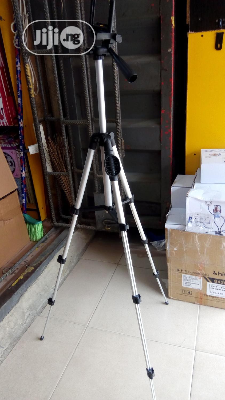 Tripod Stand With Remote | Tools & Accessories for sale in Amuwo-Odofin, Lagos State, Nigeria
