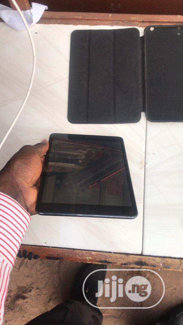 Apple iPad mini Wi-Fi 16 GB Black
