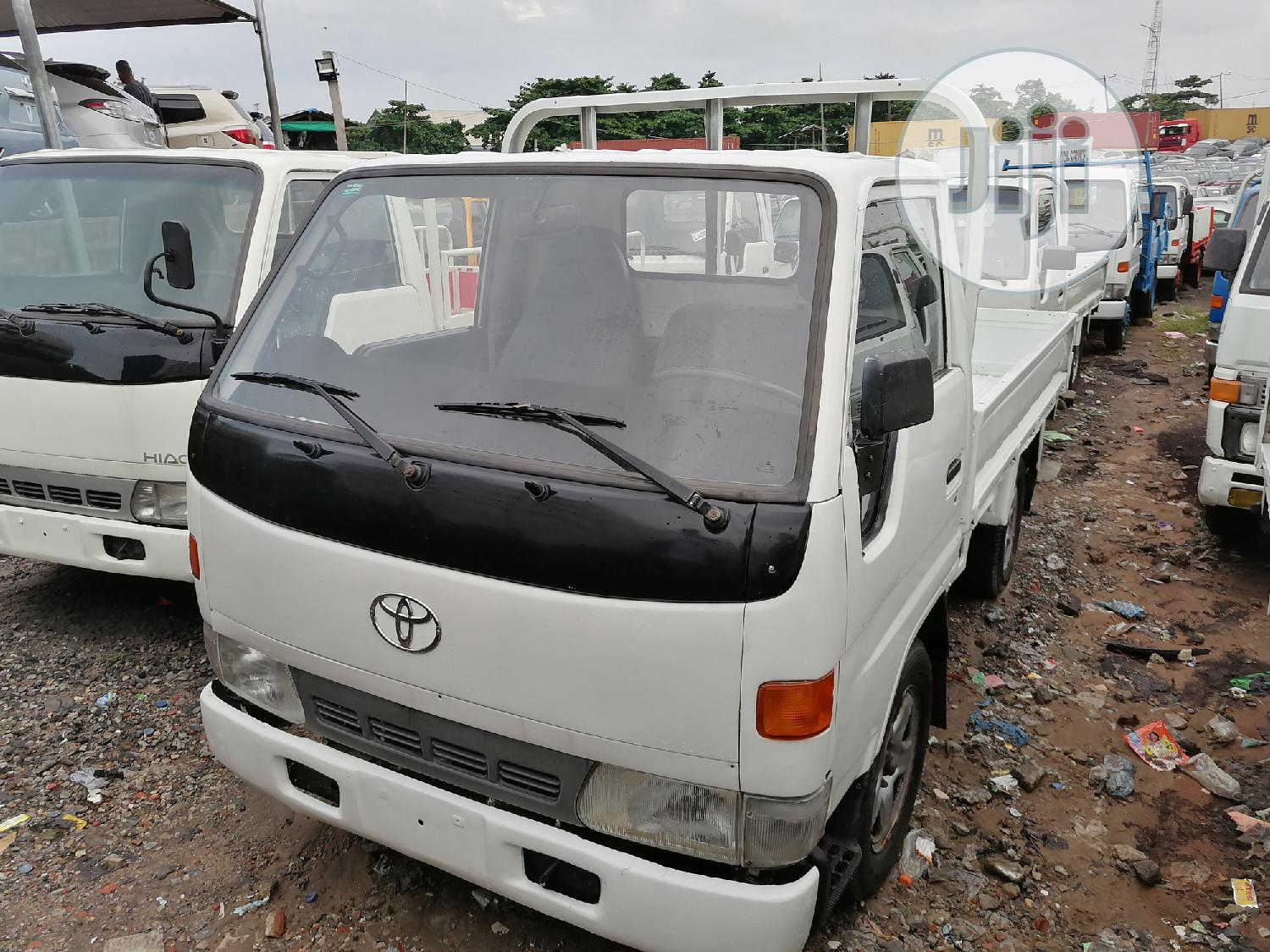 Toyota Dyna 100 Conversion White
