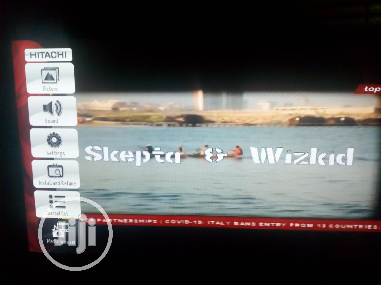 "32"" HD LED Smart TV 