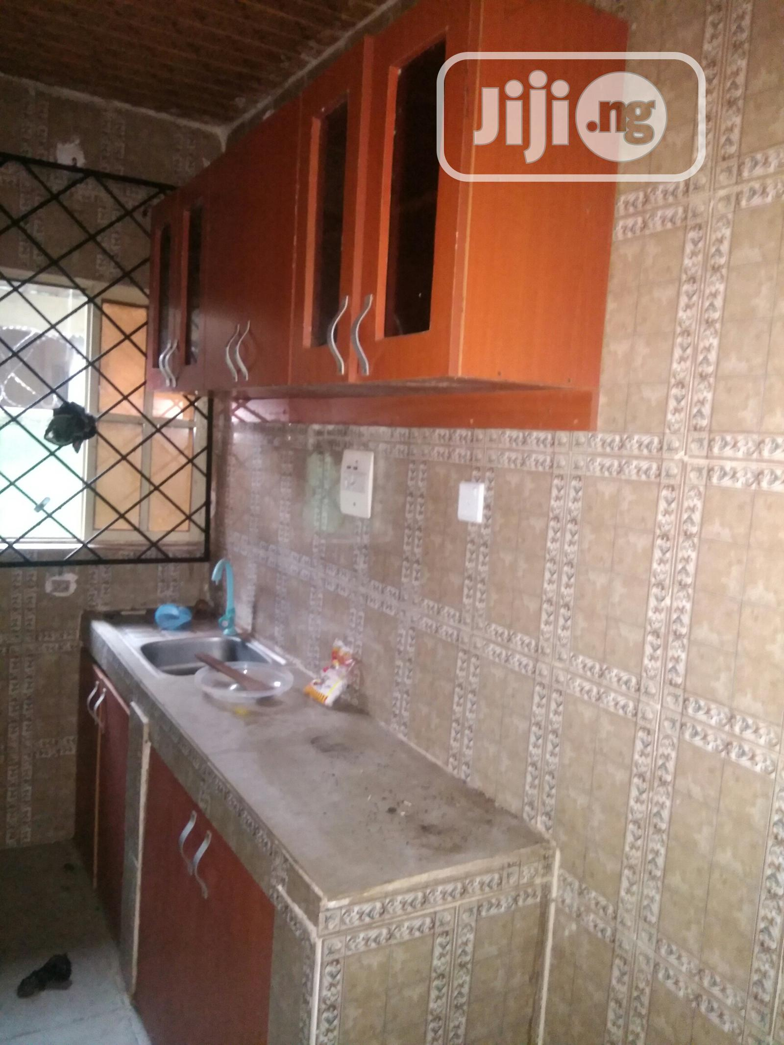 Simple 2 Bedroom Flat to Let, Just 3 Persons in the Compound   Houses & Apartments For Rent for sale in Benin City, Edo State, Nigeria