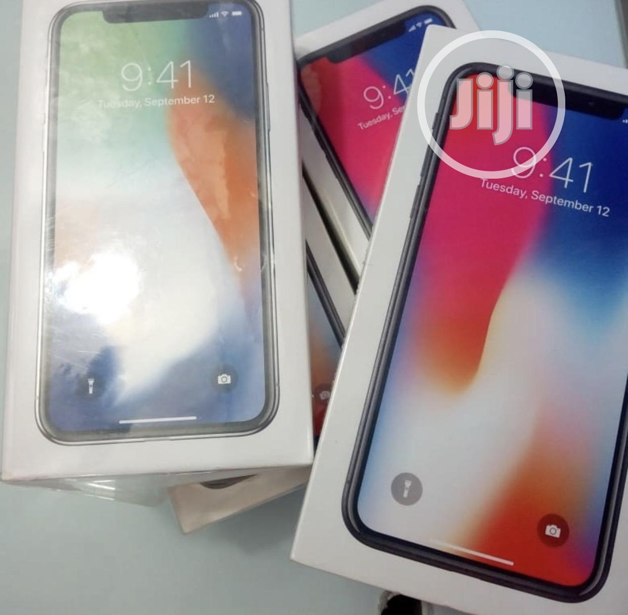 New Apple iPhone X 64 GB Silver