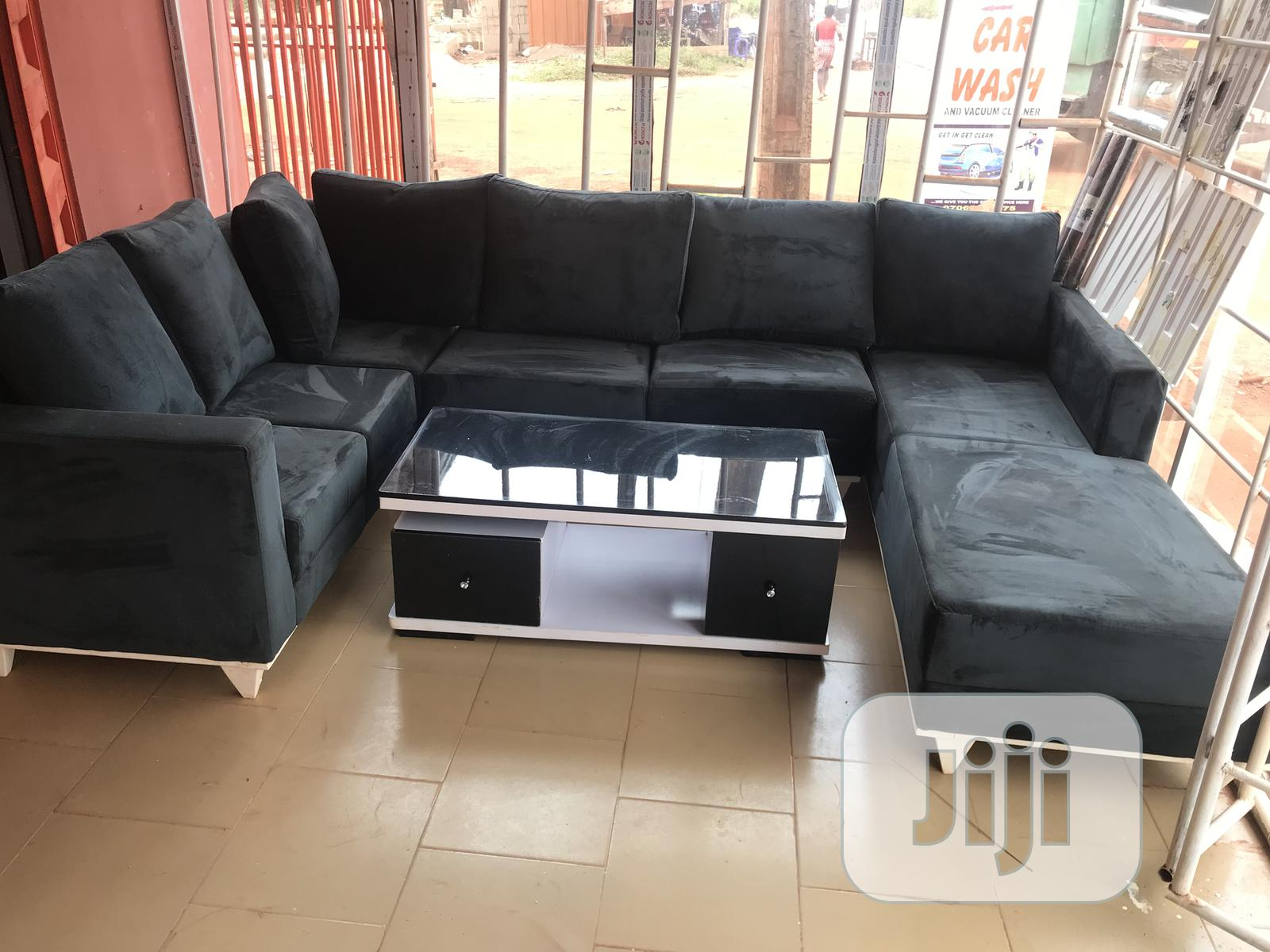 U Sectional Chair With Glossy Centre Table | Furniture for sale in Enugu, Enugu State, Nigeria