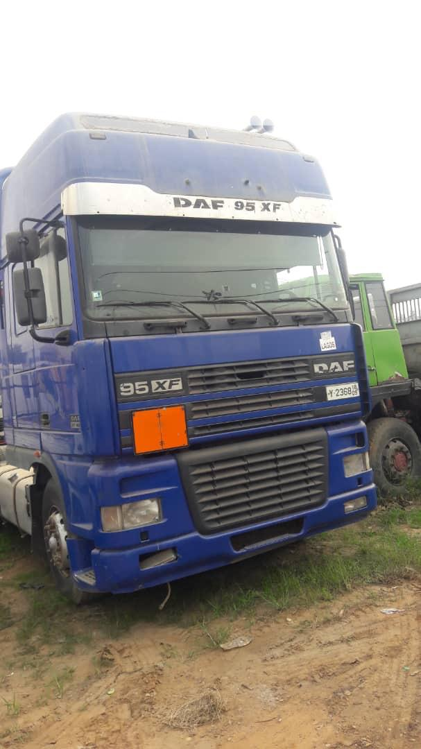 Foreign Used Daf Truck 95xf Tractor Head
