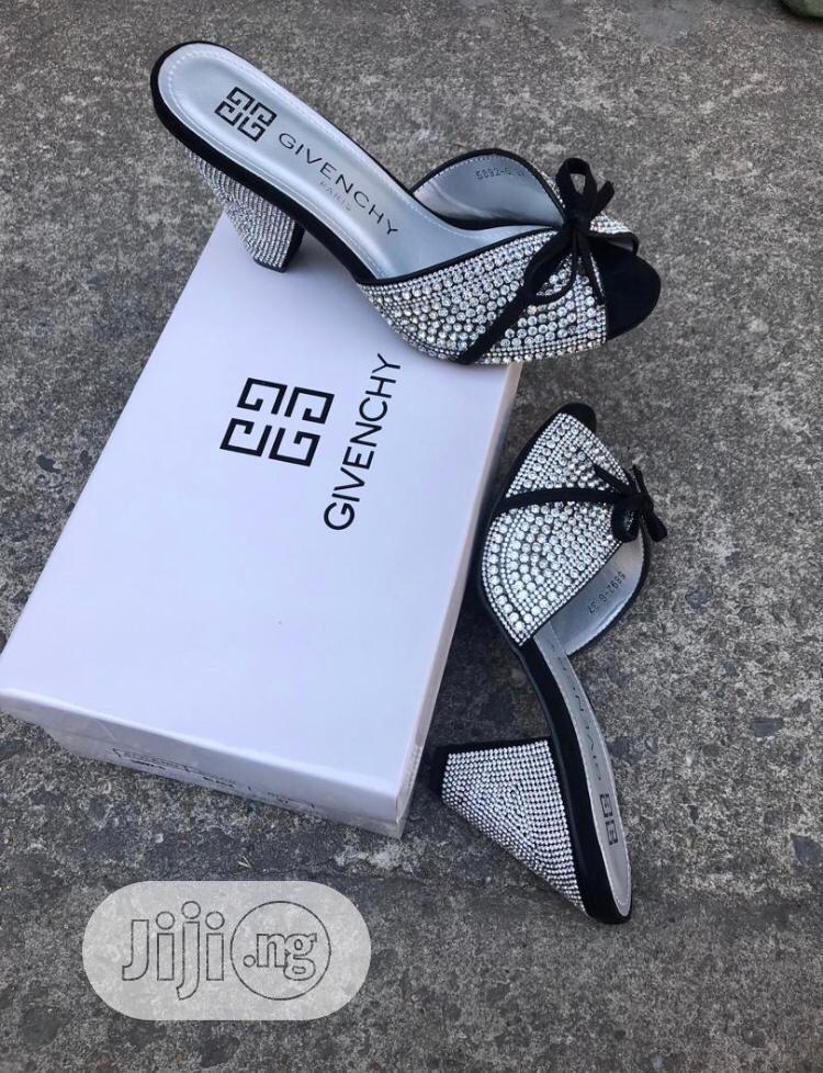 Ladies Unique Classy Slippers