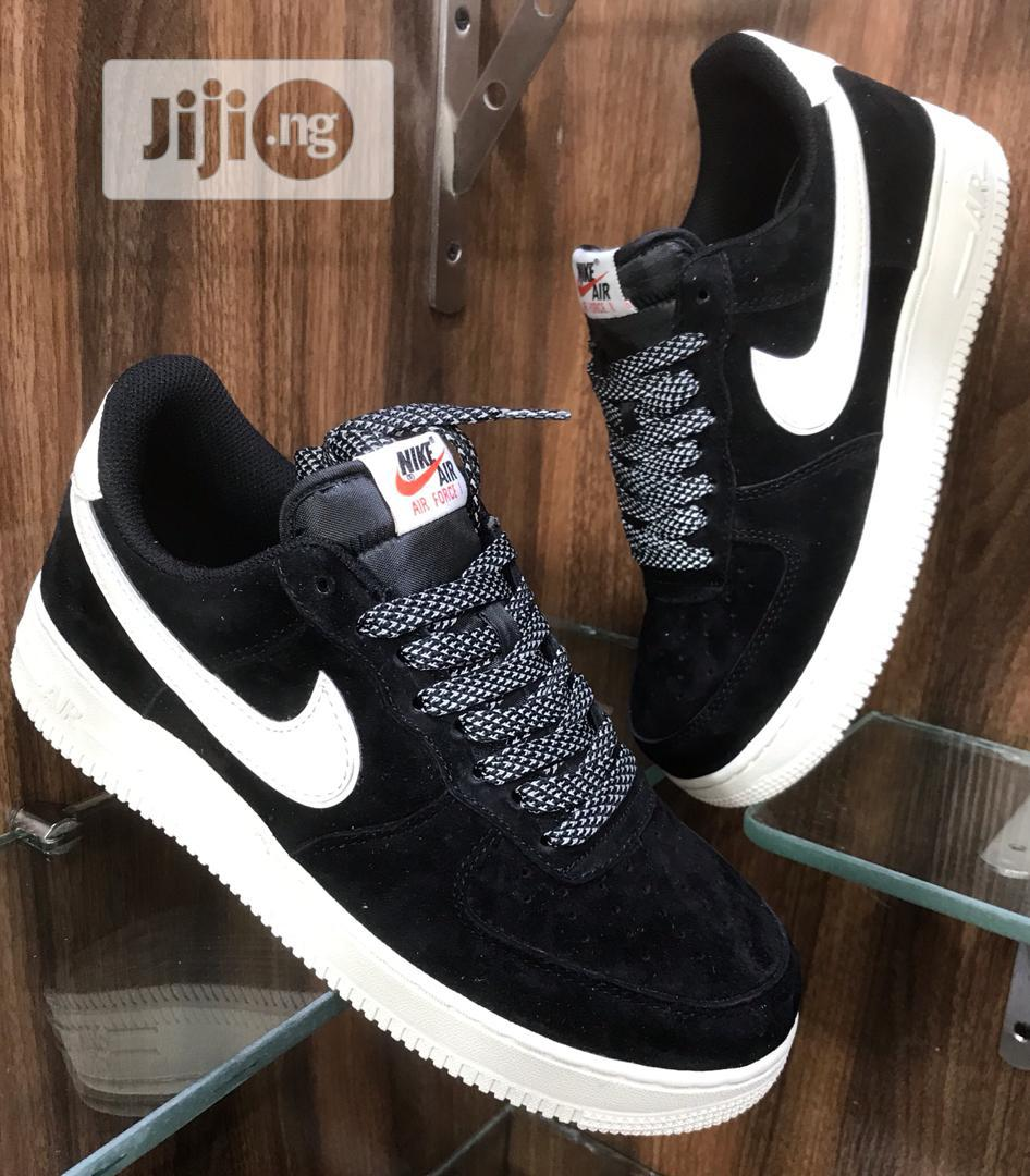 Escrutinio instructor licencia  Nike Air Force 1 Black and White Sole Sneakers Original in Surulere - Shoes,  Xtino Enterprises | Jiji.ng
