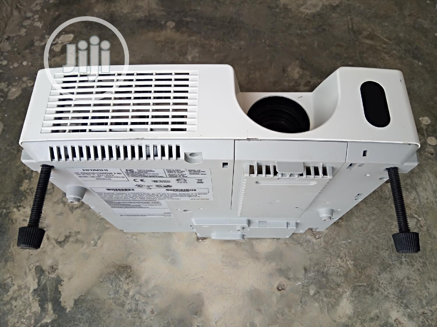 Daylight Hitachi Projectors With Large Image | TV & DVD Equipment for sale in Brass, Bayelsa State, Nigeria