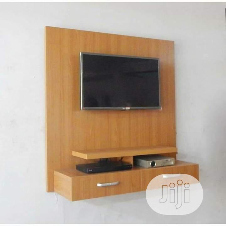 An Excellent Wall TV Shelve.