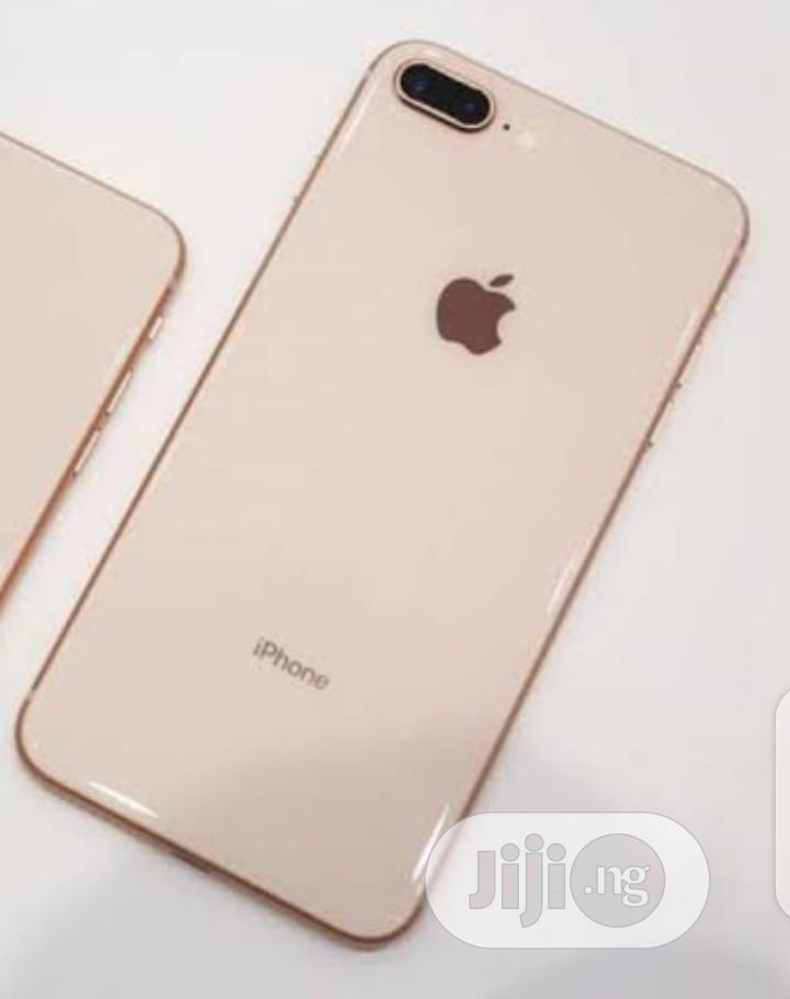 New Apple iPhone 8 64 GB Gold