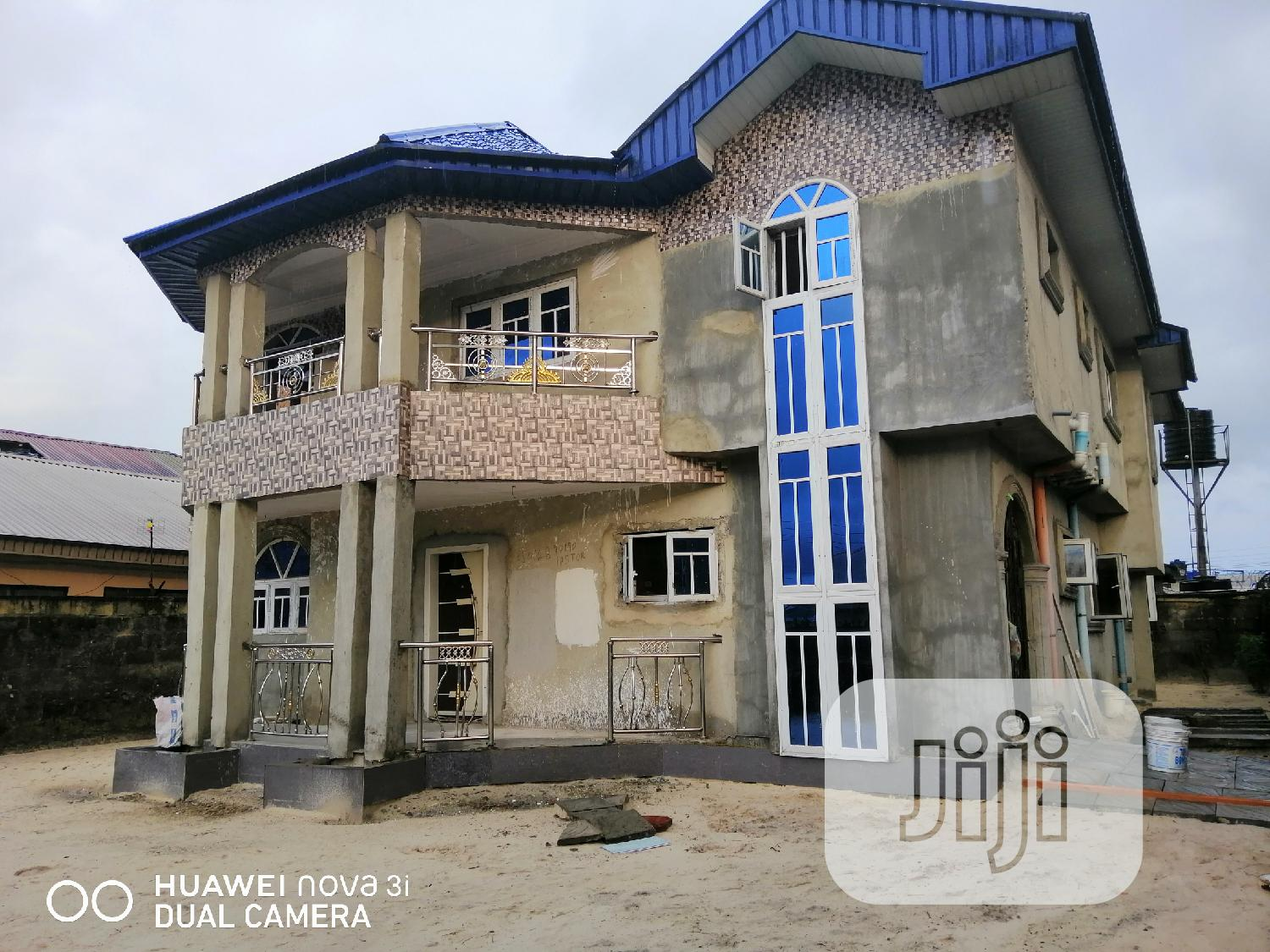 Five Bedrooms Duplex | Houses & Apartments For Sale for sale in Udu, Delta State, Nigeria
