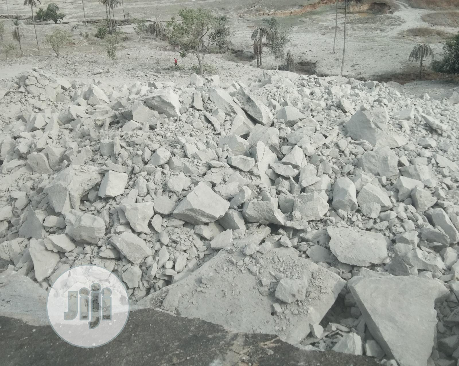 Sales Of Aggregate Quarry Stone Of Different Sizes | Building & Trades Services for sale in Dei-Dei, Abuja (FCT) State, Nigeria