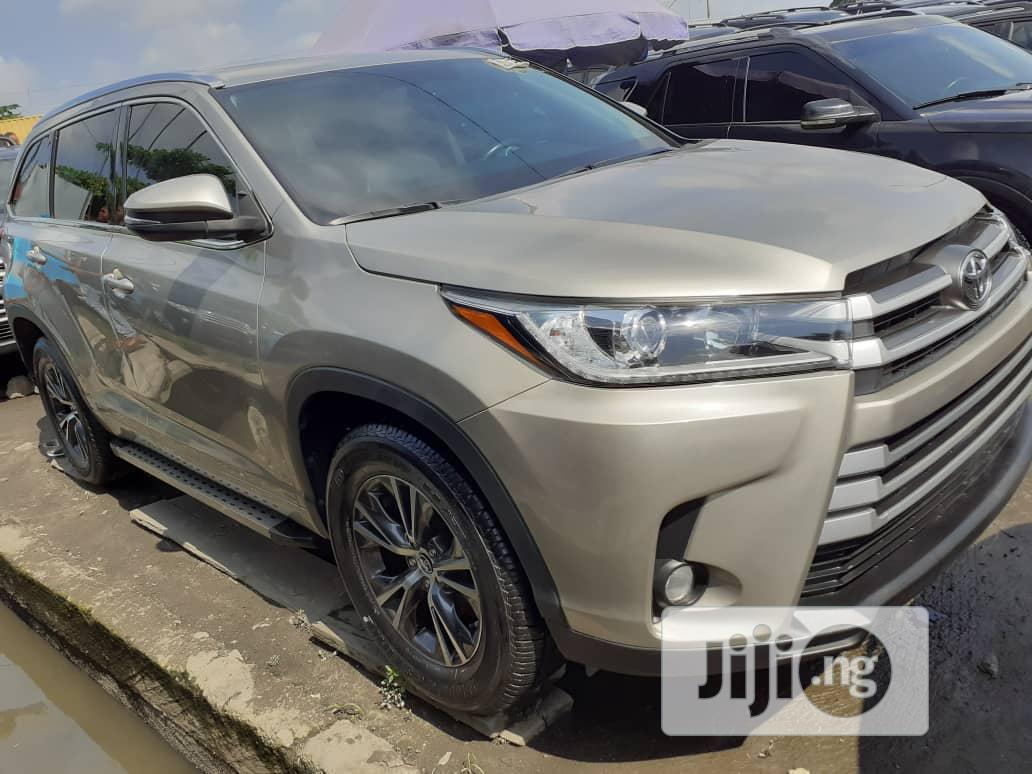 Toyota Highlander 2017 Gray | Cars for sale in Apapa, Lagos State, Nigeria