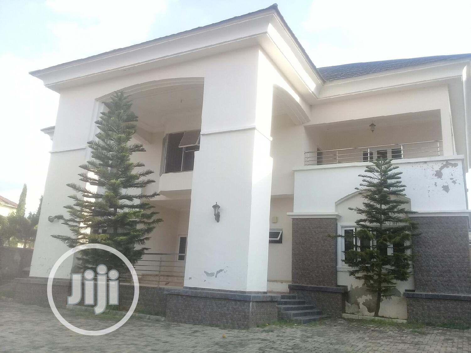 Massive 5 Bedroom Duplex With Guest Chalet And 2 Rooms Bq