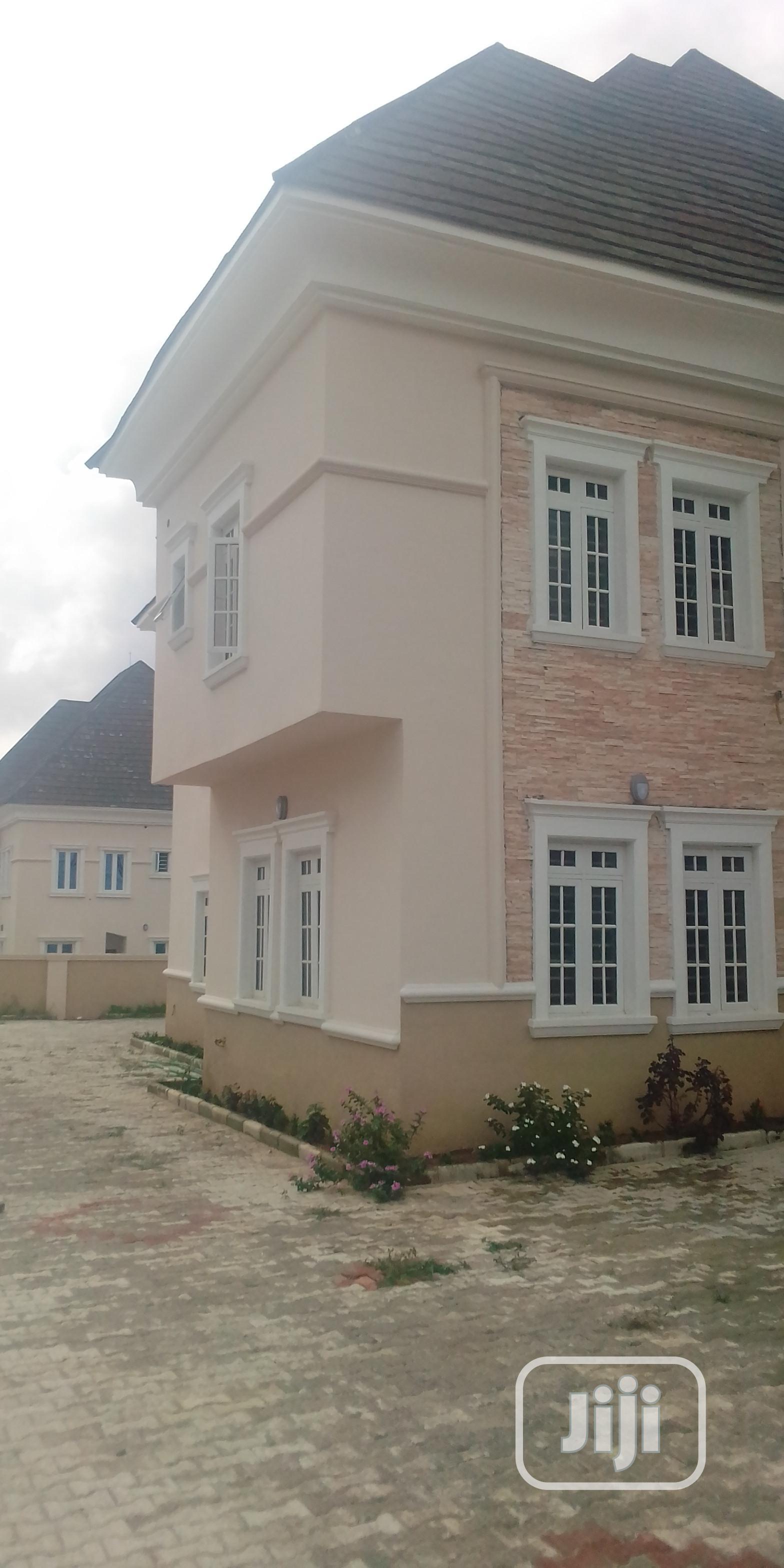 5 Bedrooms Duplex With Bq