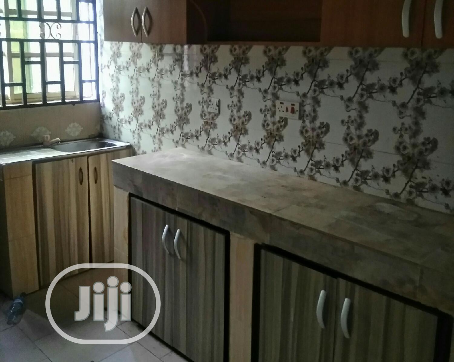 Neat 2 Bedroom Flat, Upstairs and Diwnstairs Available | Houses & Apartments For Rent for sale in Benin City, Edo State, Nigeria