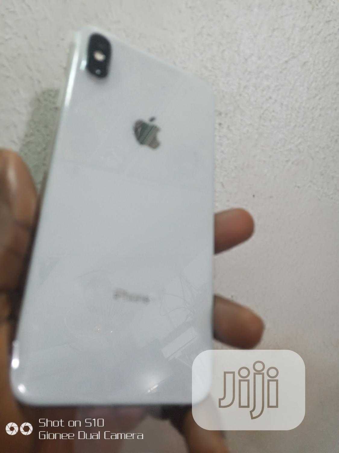 Apple iPhone XS Max 64 GB White
