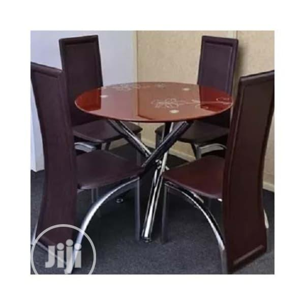 Round Dinning Table With 4 Chairs