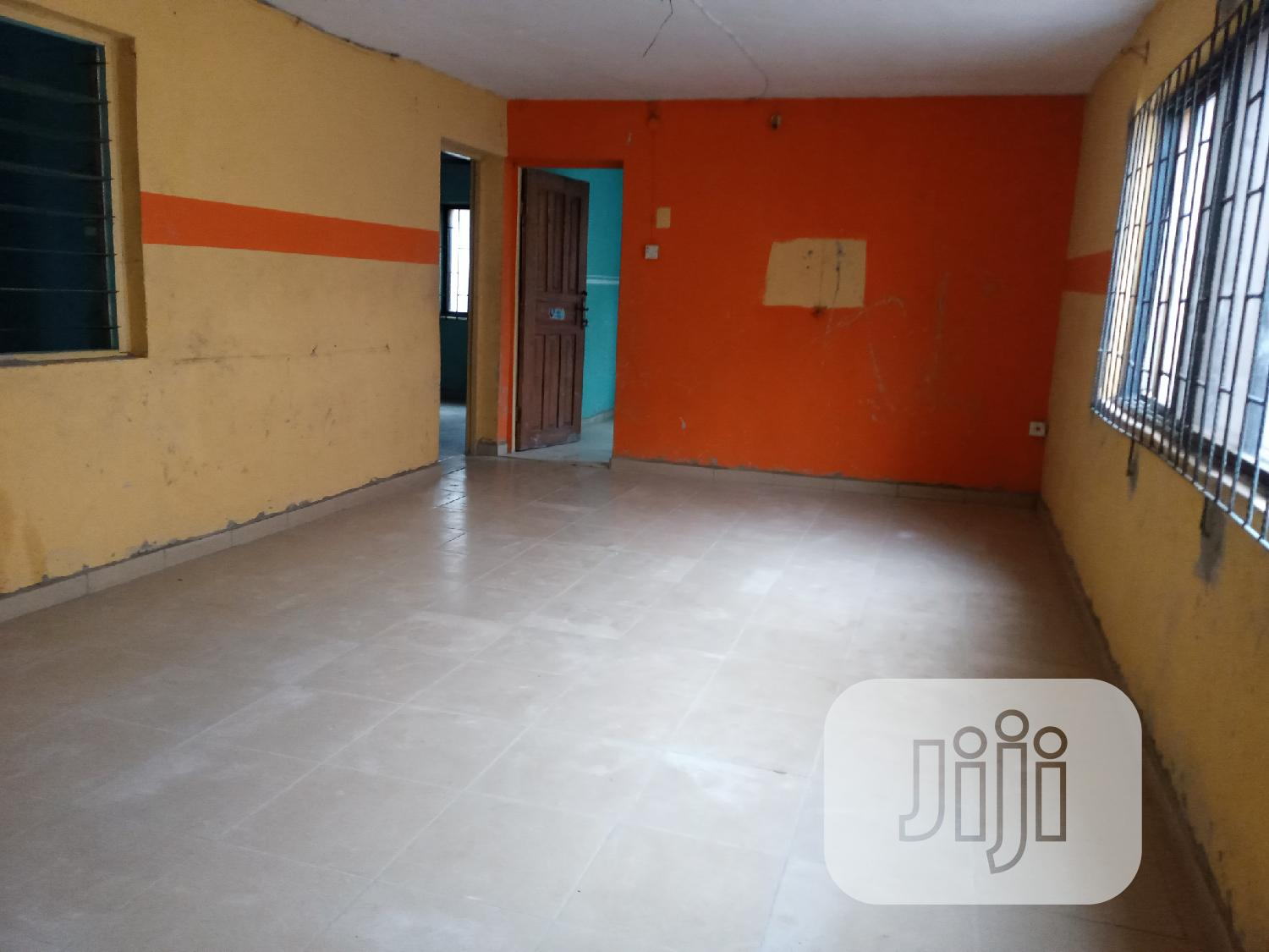 3 Bedroom Flat In Abesan Estate, Ipaja, Lagos For Sale