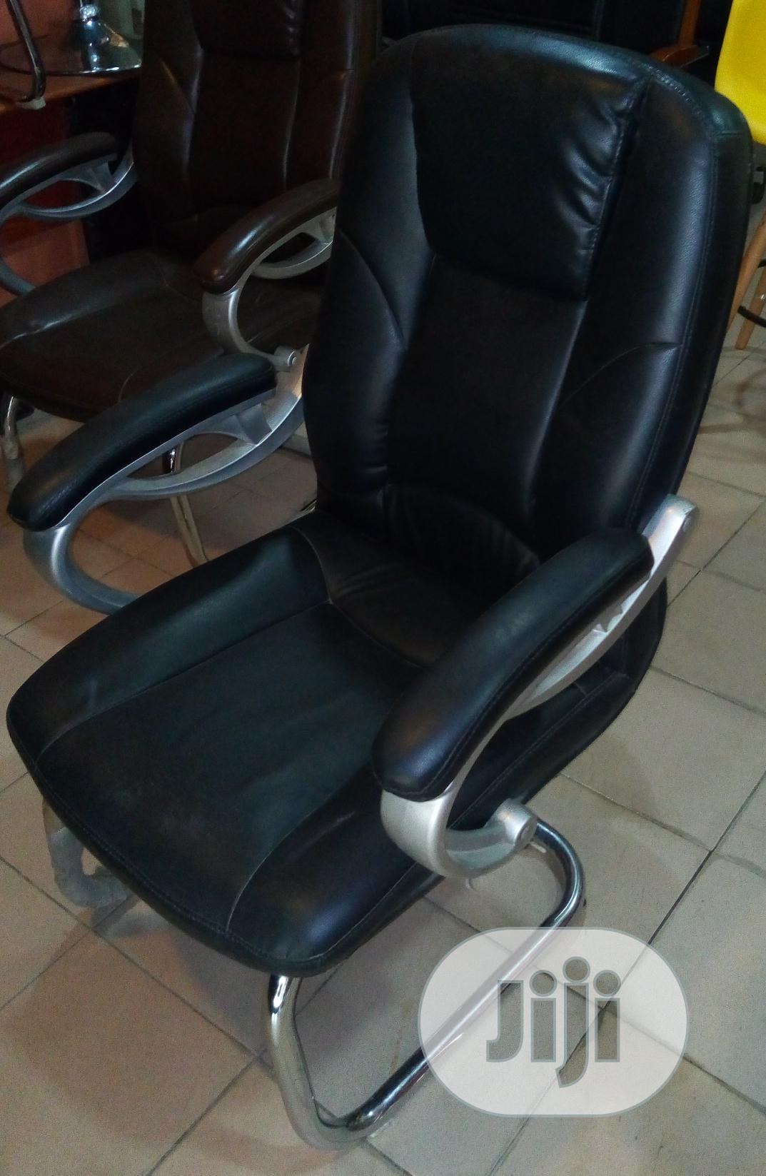 Very Solid Executive Office Visitors Chair