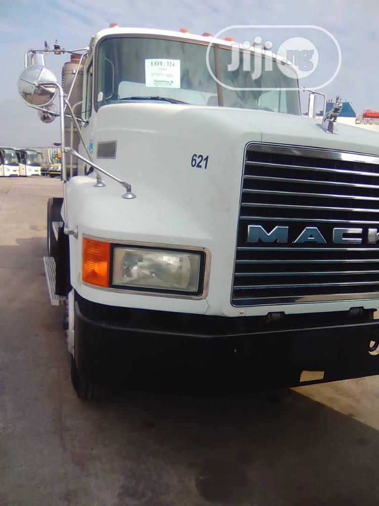 1996 Mack CH613 Single Can Tandem Axle Tractor | Heavy Equipment for sale in Apapa, Lagos State, Nigeria