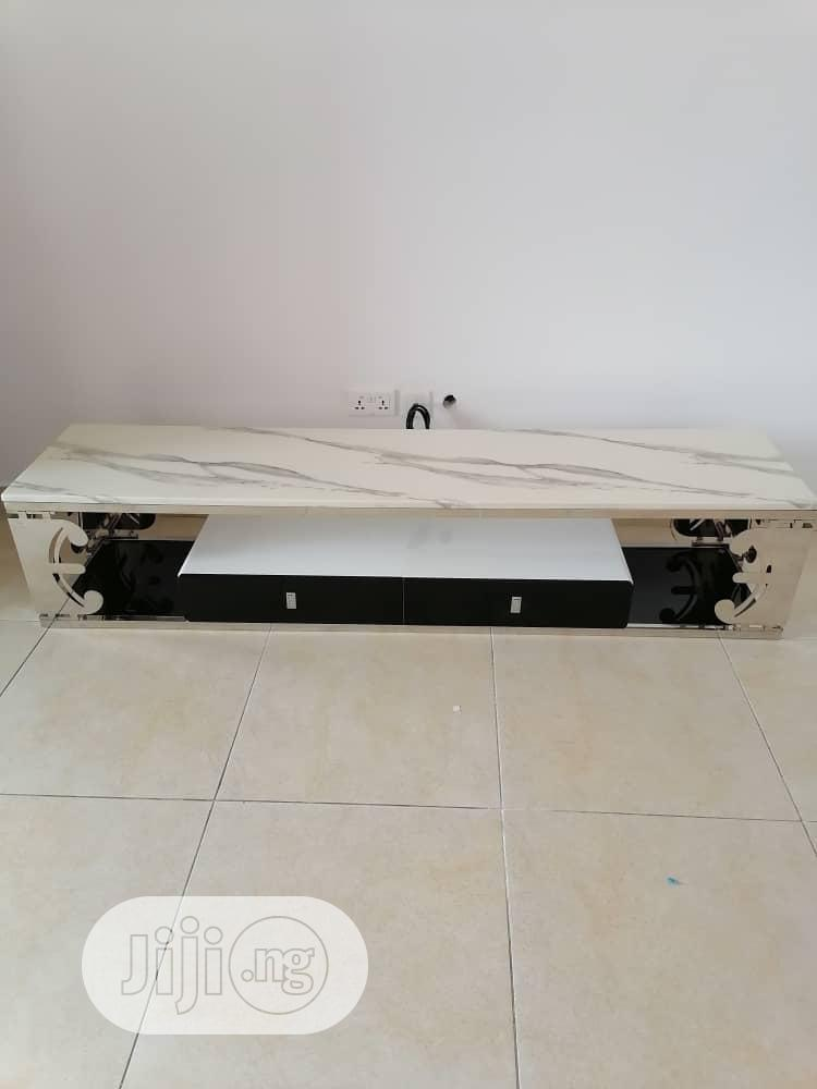 High Quality Stainless Steel And Pure Marble TV Stand | Furniture for sale in Amuwo-Odofin, Lagos State, Nigeria