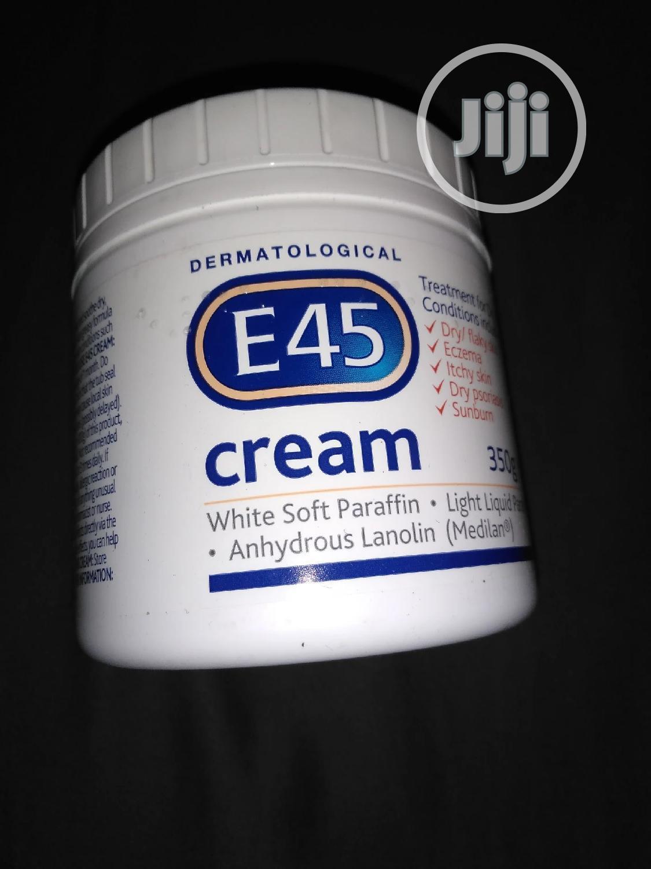 E45 Moisturising Cream