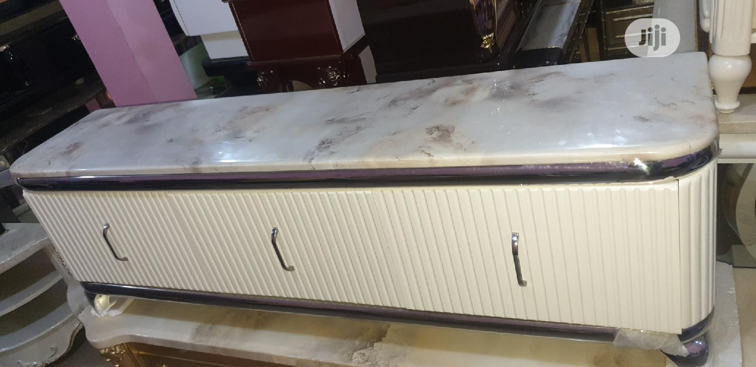 Quality Marble Tv Shelve