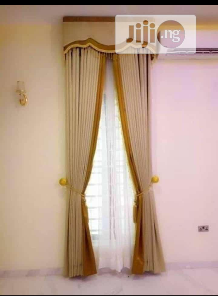 Long Drape Curtain With Board