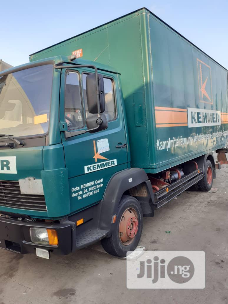 Mercedes Benz Truck 814 1999