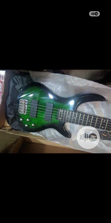 5 Strings Bass Guitar