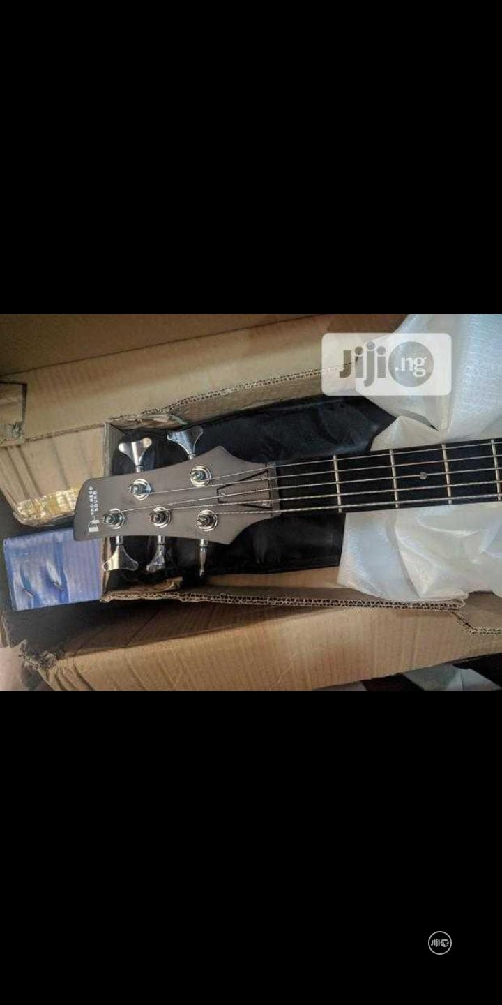 5 Strings Bass Guitar   Musical Instruments & Gear for sale in Ojo, Lagos State, Nigeria