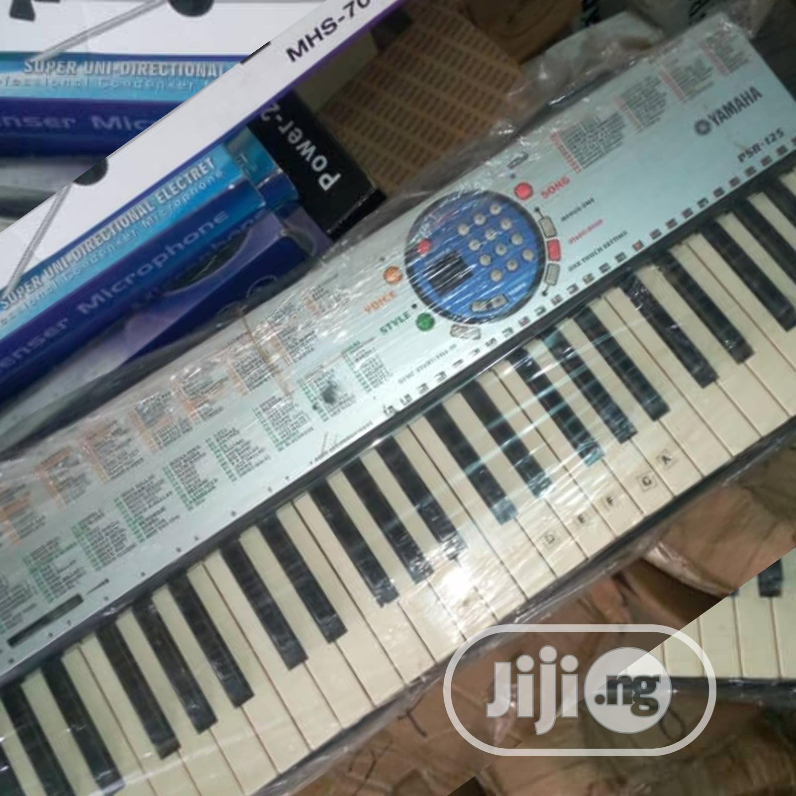 Neat As New Yamaha Amateur Keyboard Piano | Musical Instruments & Gear for sale in Ikeja, Lagos State, Nigeria