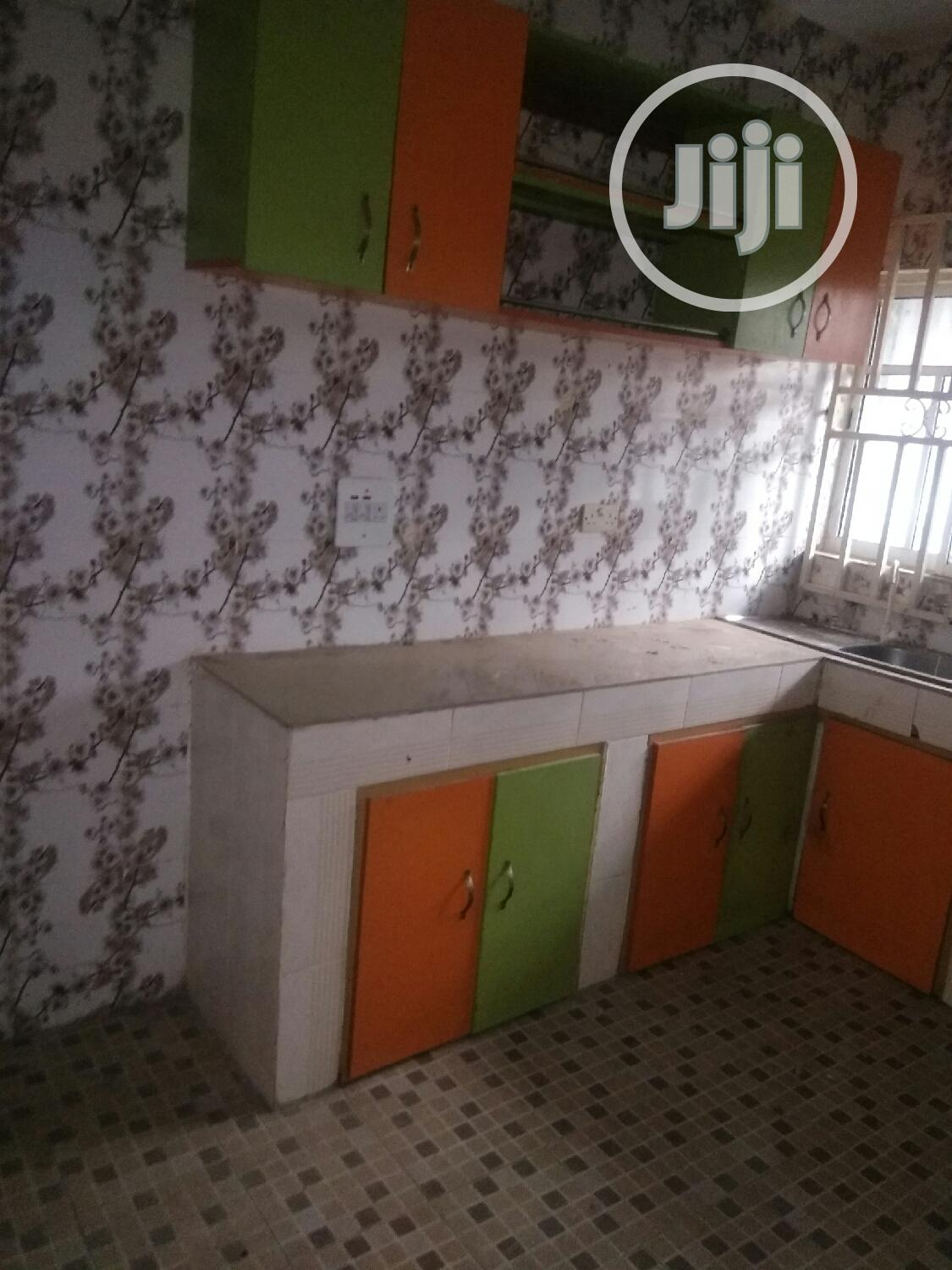 3 Bedroom Flat To Let No Landkord In Compound Pay N Move In | Houses & Apartments For Rent for sale in Benin City, Edo State, Nigeria