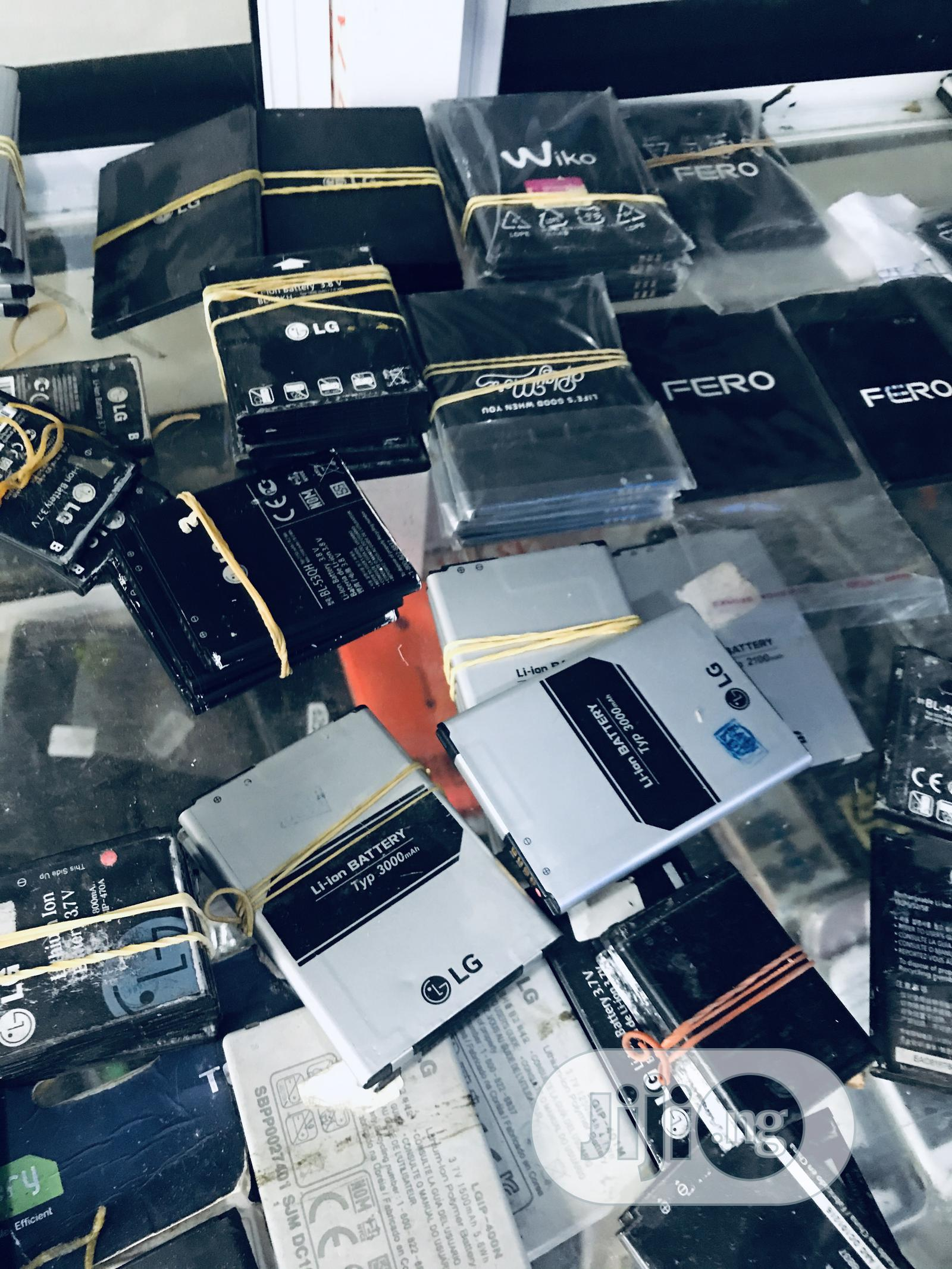 Original Phone Chargers / Car Chargers / Earphones / Laptop Chargers | Vehicle Parts & Accessories for sale in Eket, Akwa Ibom State, Nigeria