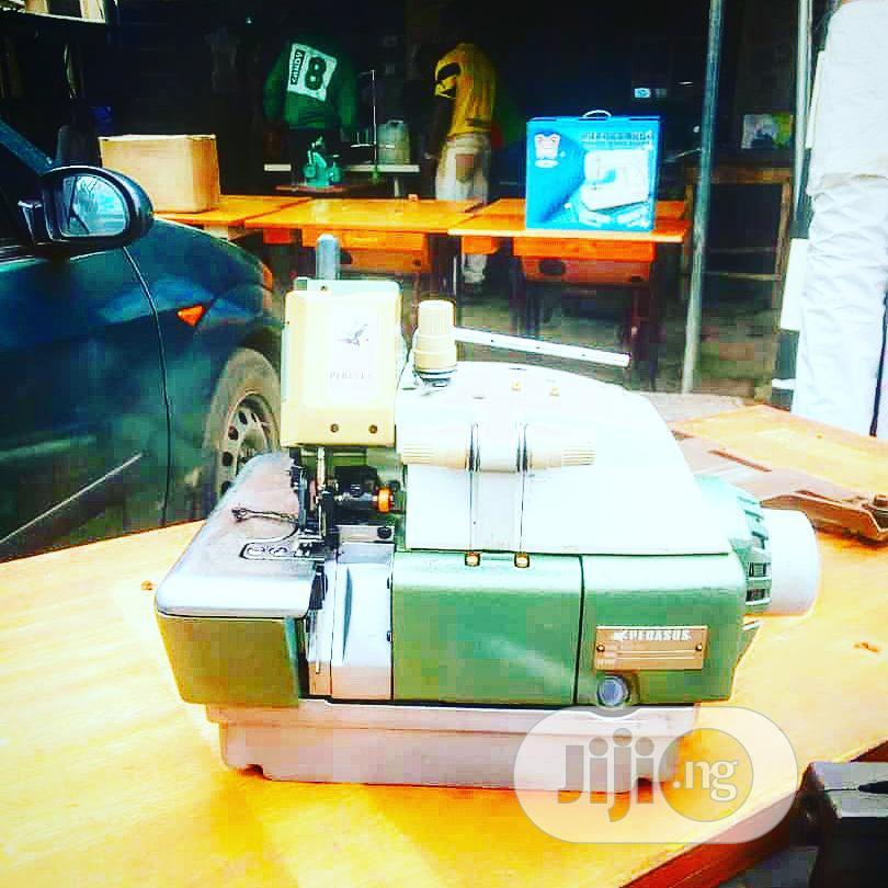 Tokunbo 3thread Industrial Overlock/Weeping Machine