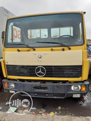 Mercedes Benz Truck 2000 Yellow | Trucks & Trailers for sale in Lagos State, Apapa