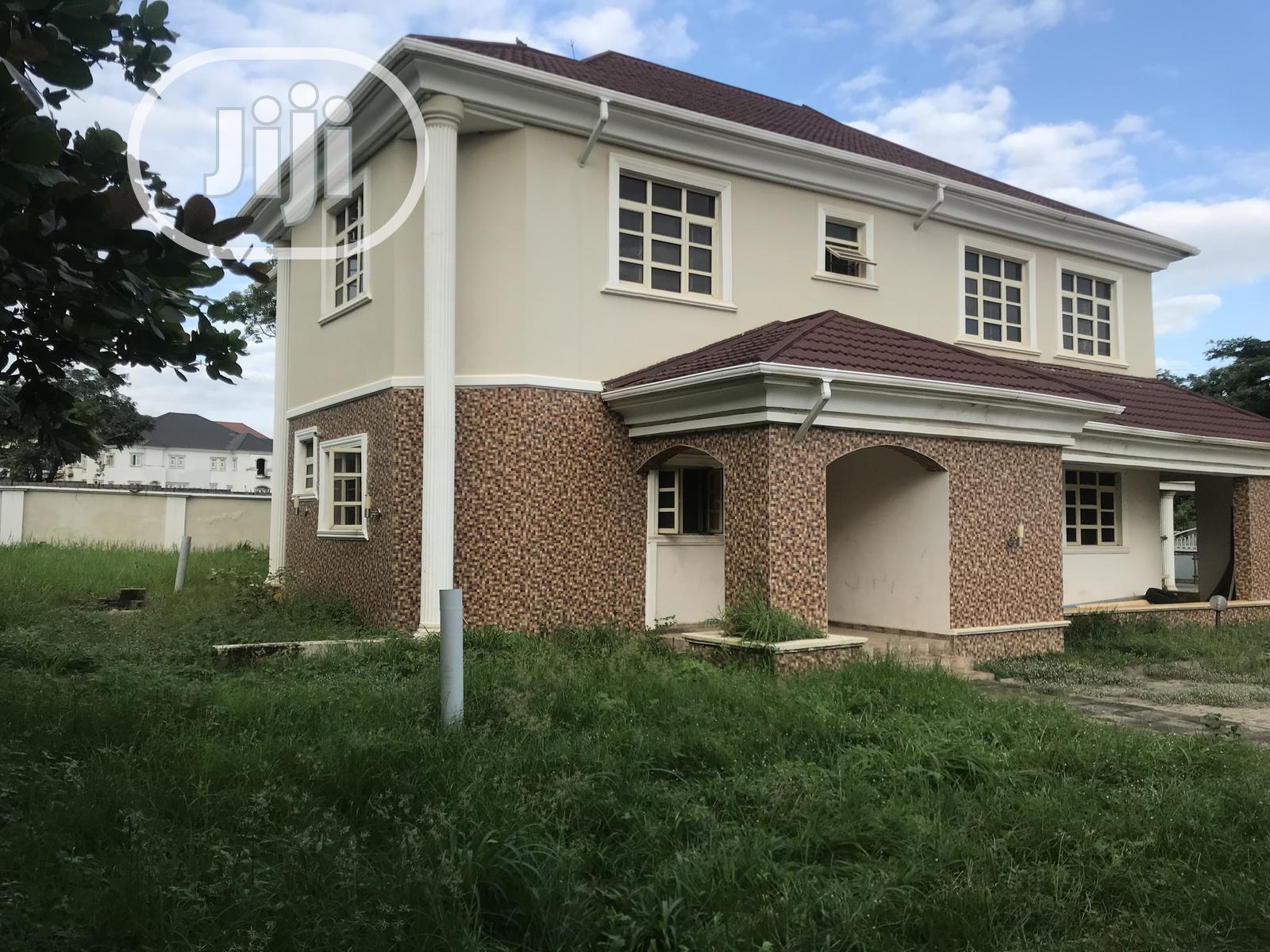 New 5 Bedroom Duplex With Guest Chalet Bq