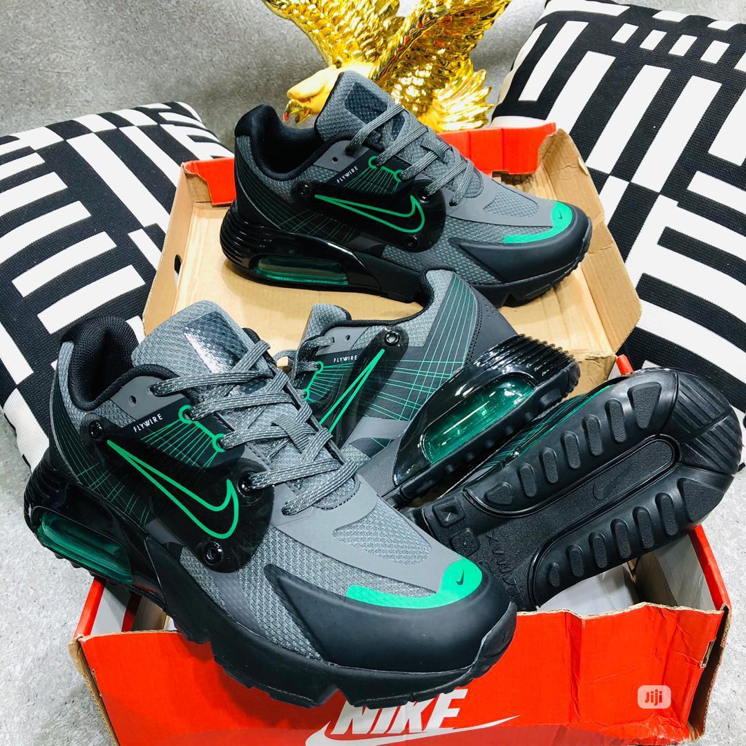 Men Footwear's