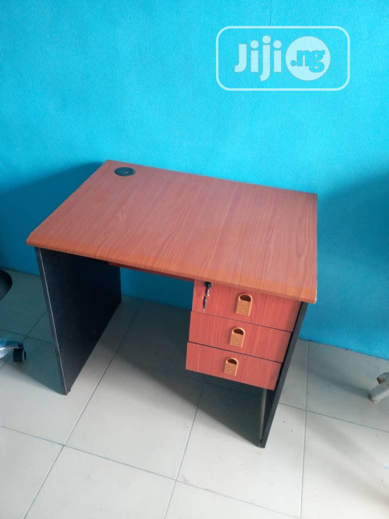 Quality Office Table With Drawer