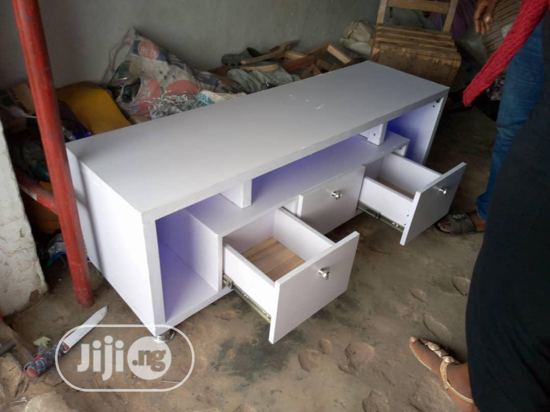 Shap Tv Stand With Light | Furniture for sale in Ikeja, Lagos State, Nigeria