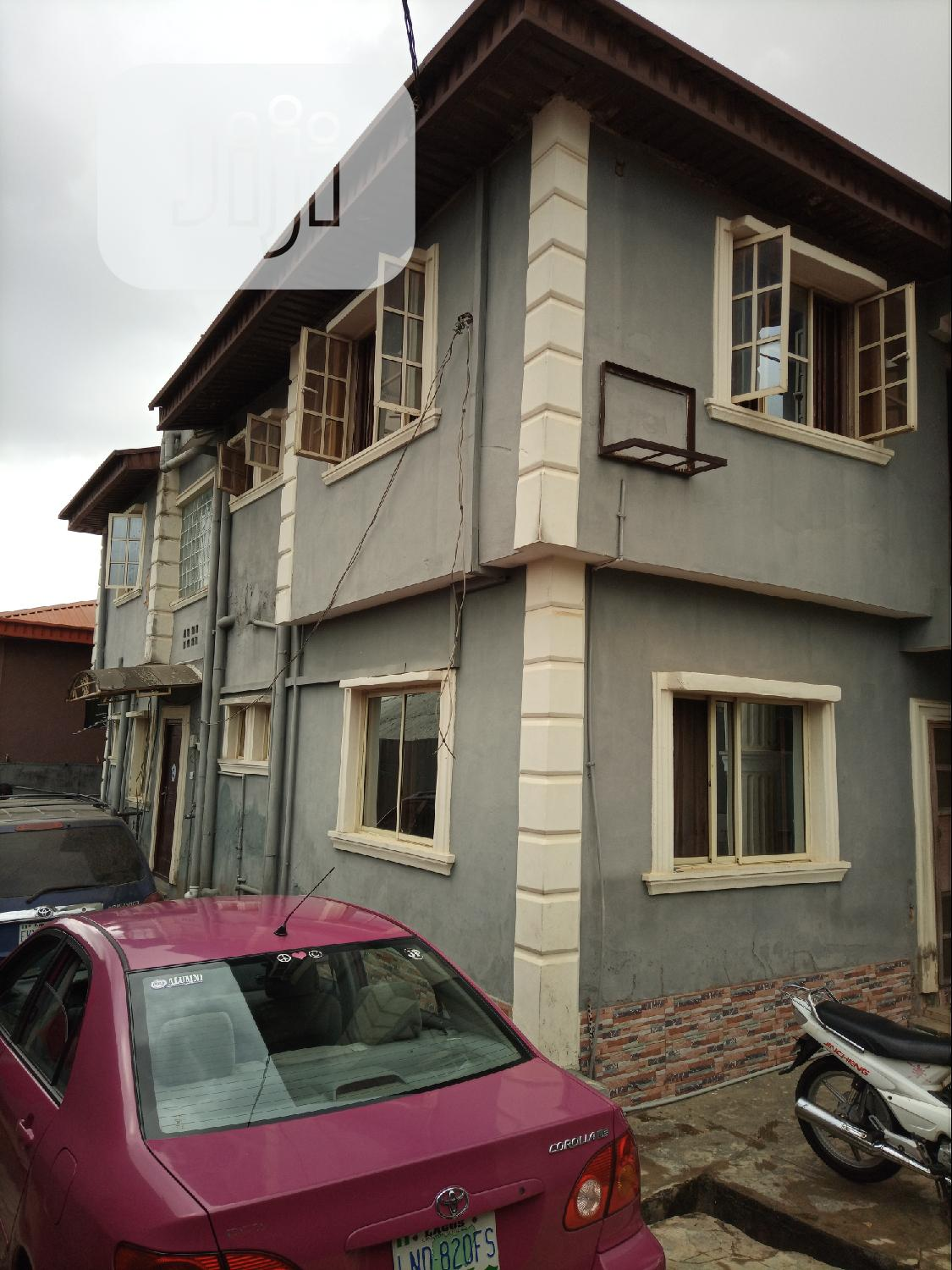 Storey Building of 4 Units Flat