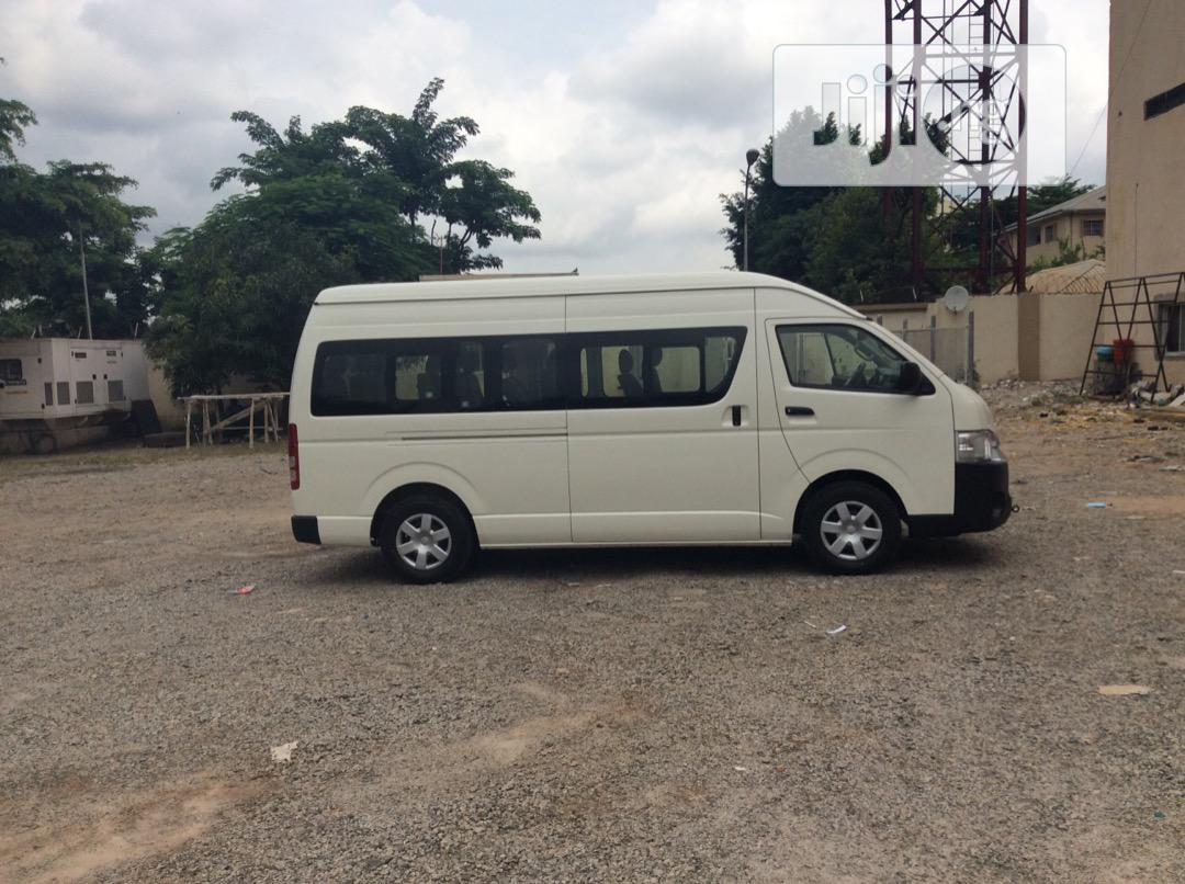 New 2020 Toyota Hiace Highroof White | Buses & Microbuses for sale in Wuse, Abuja (FCT) State, Nigeria