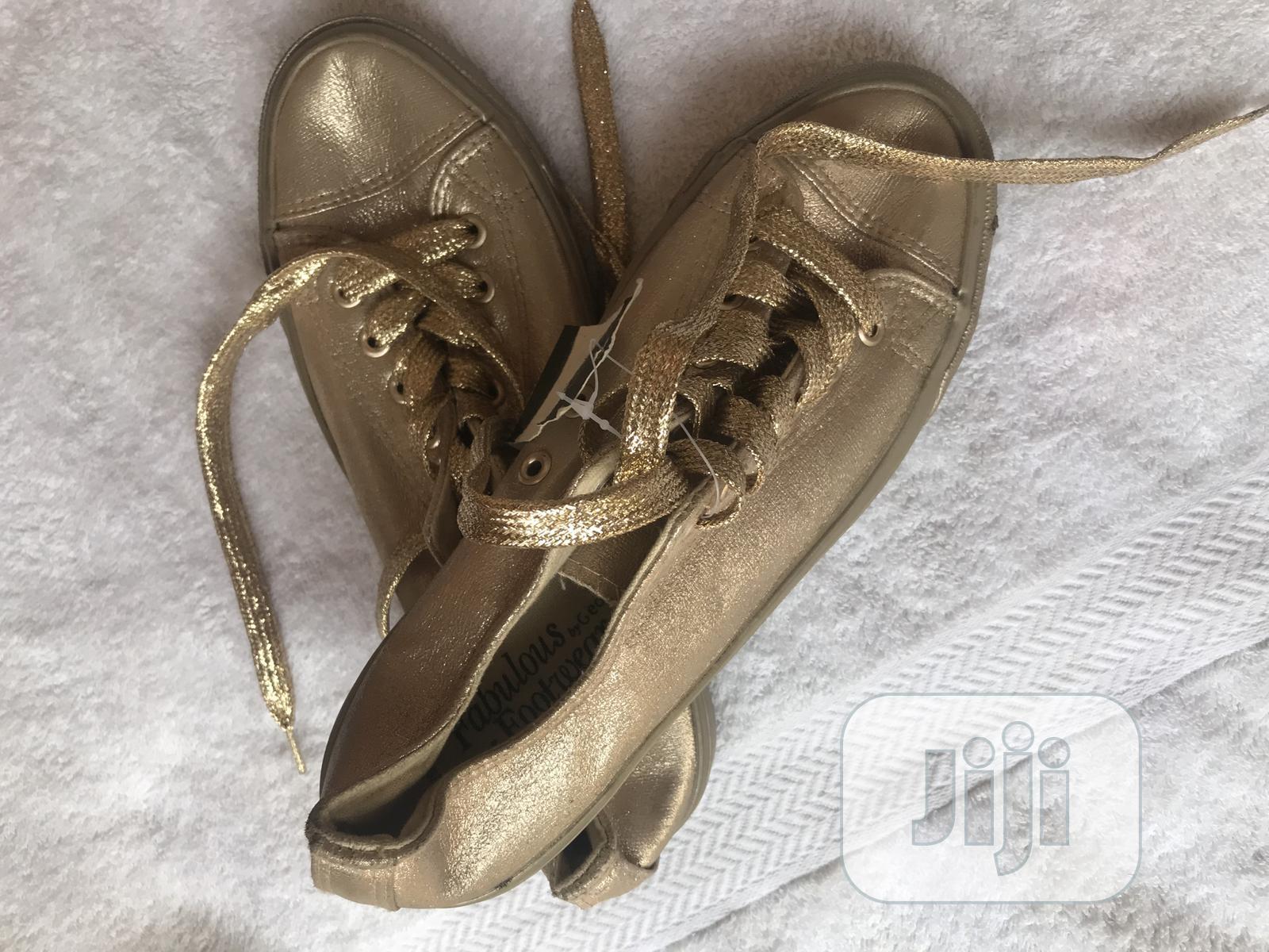 Archive: Canvas Shoe
