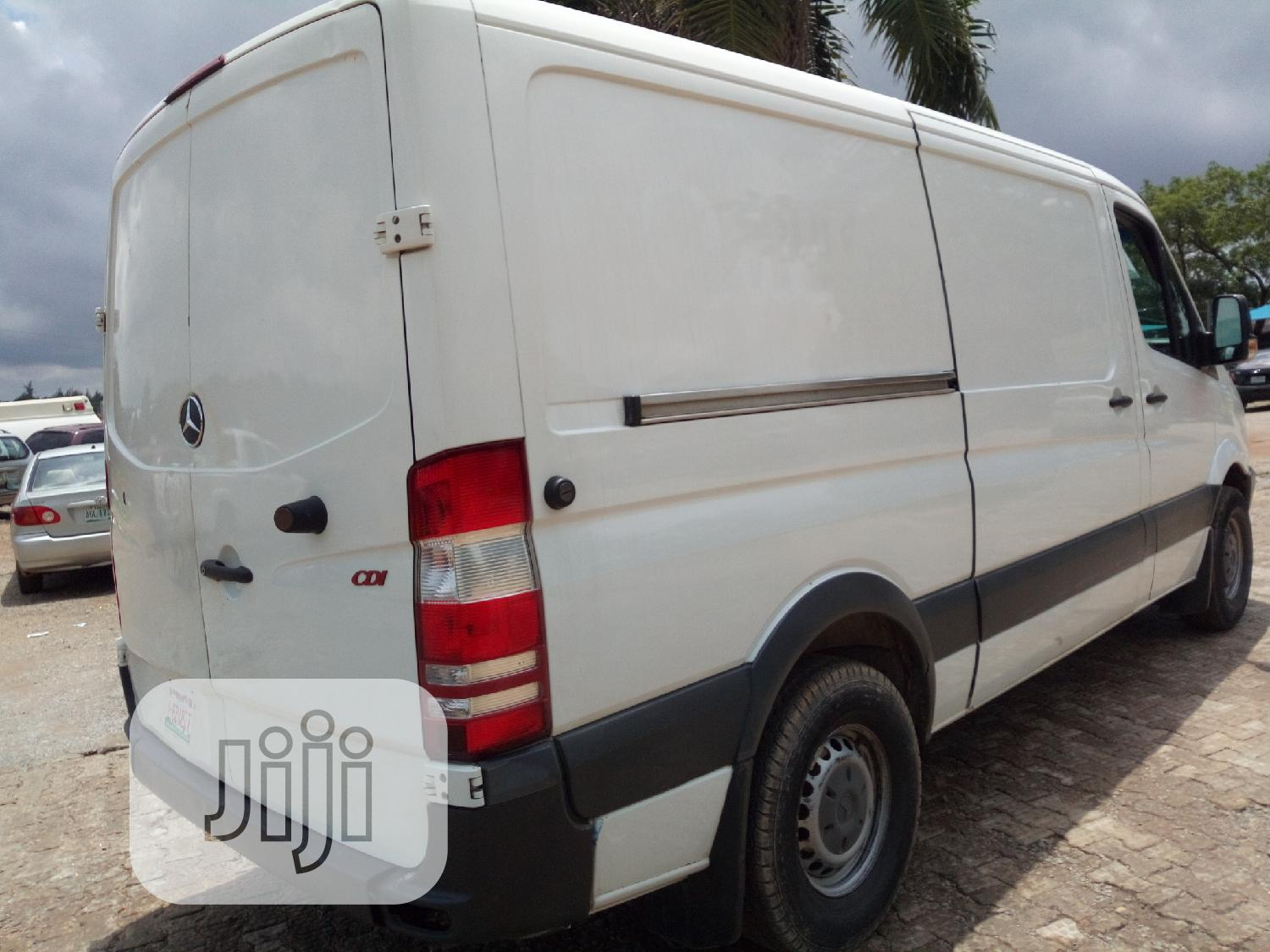 Foreign Used 2010 Mercedes Benz Container Sprinter Bus