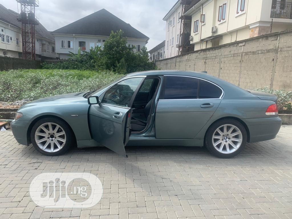 Archive: BMW 7 Series 2002 Green