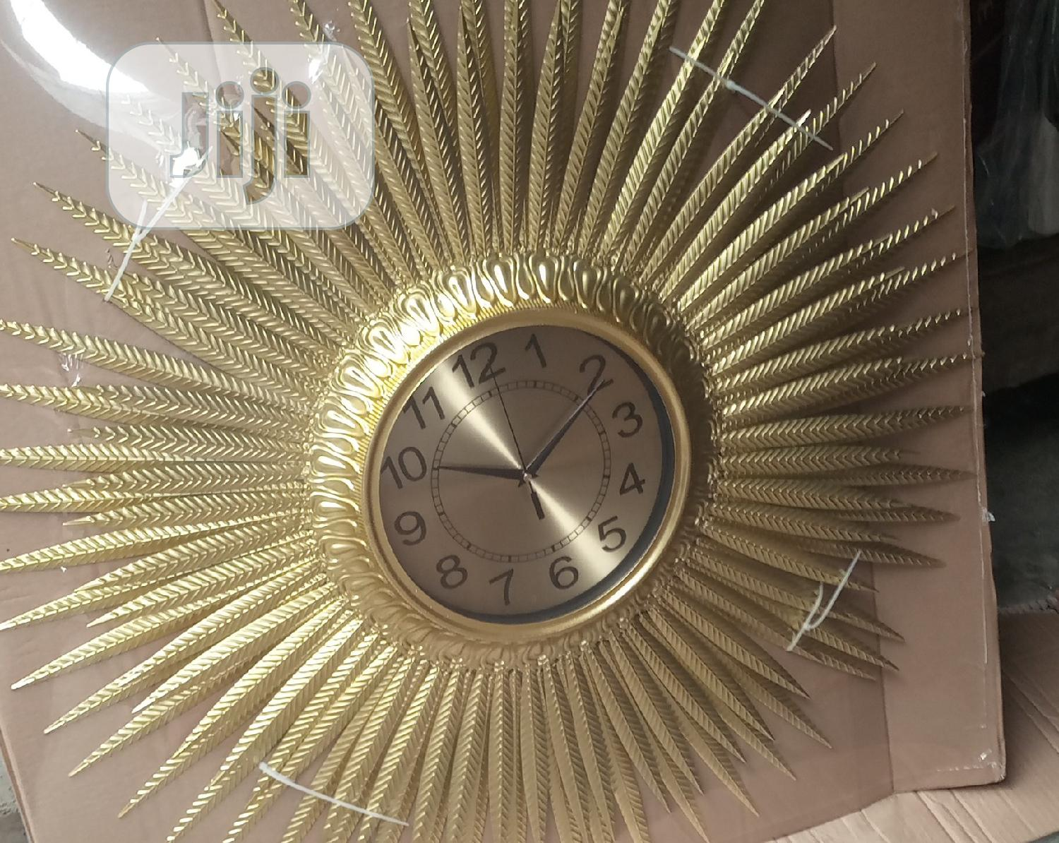 Decorate Ur Home With Wall O'clock Gold