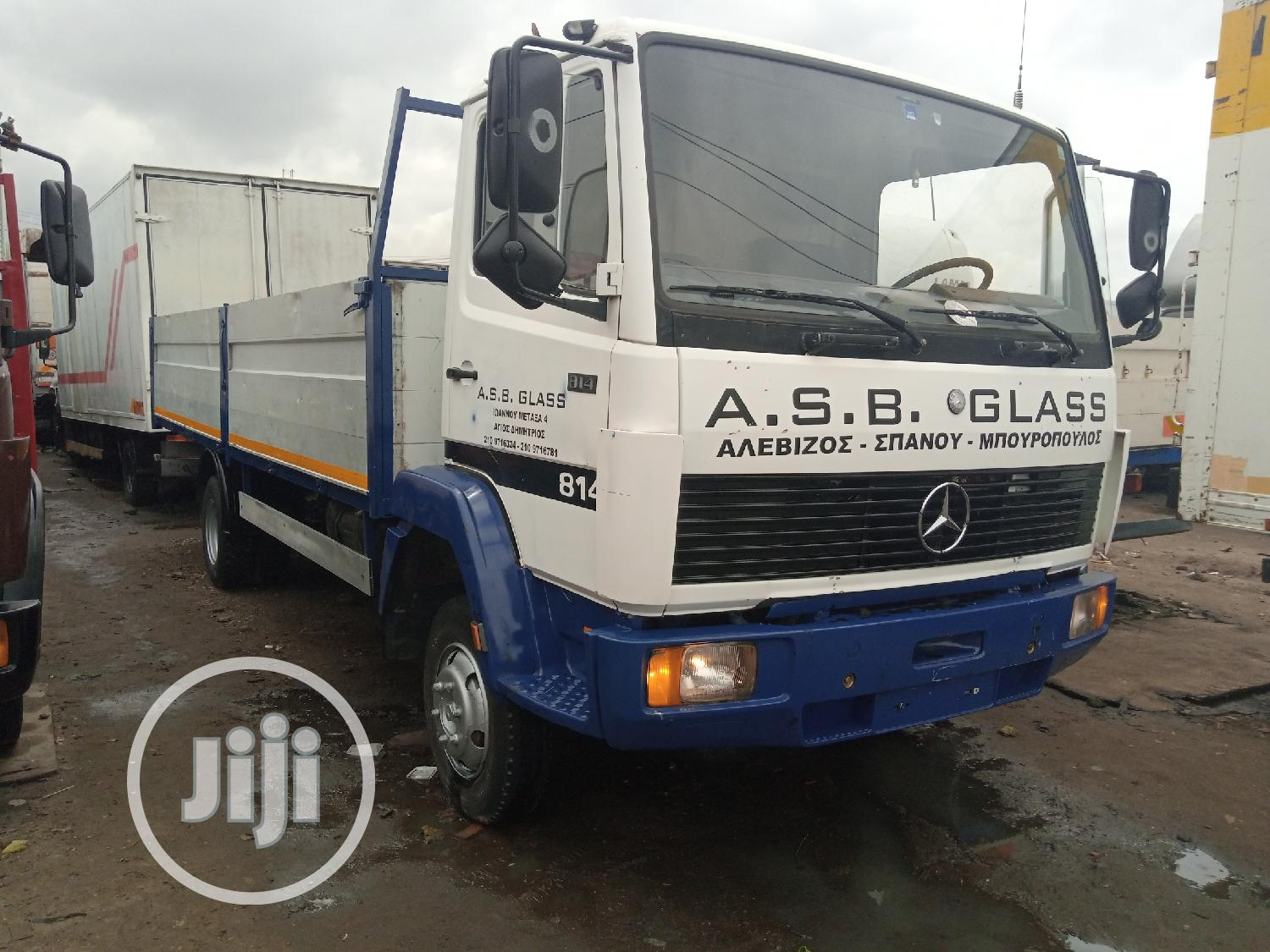 Mercedes Benz Truck 814 White