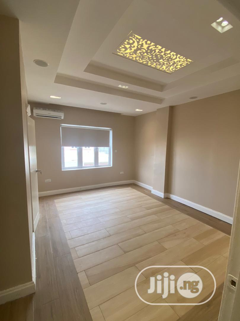 Archive: Massive New 5 Bedroom Penthouse For Sale