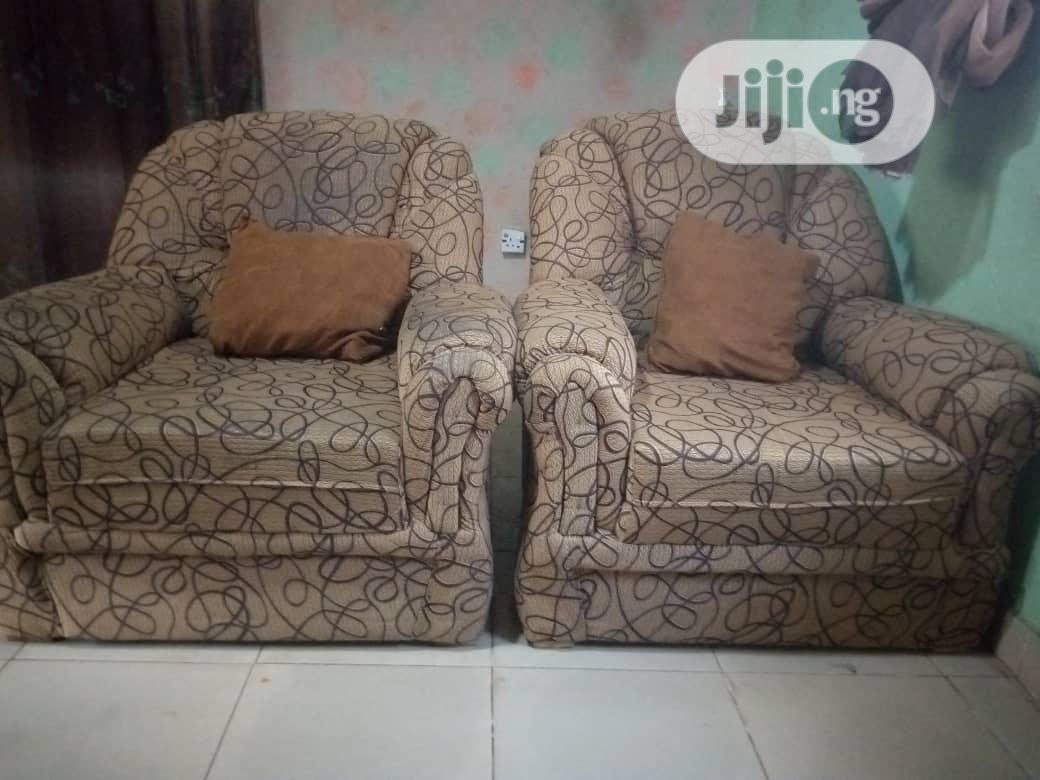 Comfy Complete Set Of Chairs 3-2-1-1 In Good Conditio | Furniture for sale in Akinyele, Oyo State, Nigeria