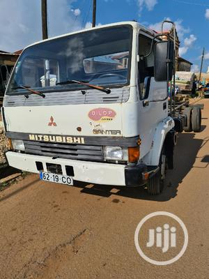 Mitsubishi Canter FH100 20feet Chassis 6cylinders | Trucks & Trailers for sale in Osun State, Ife